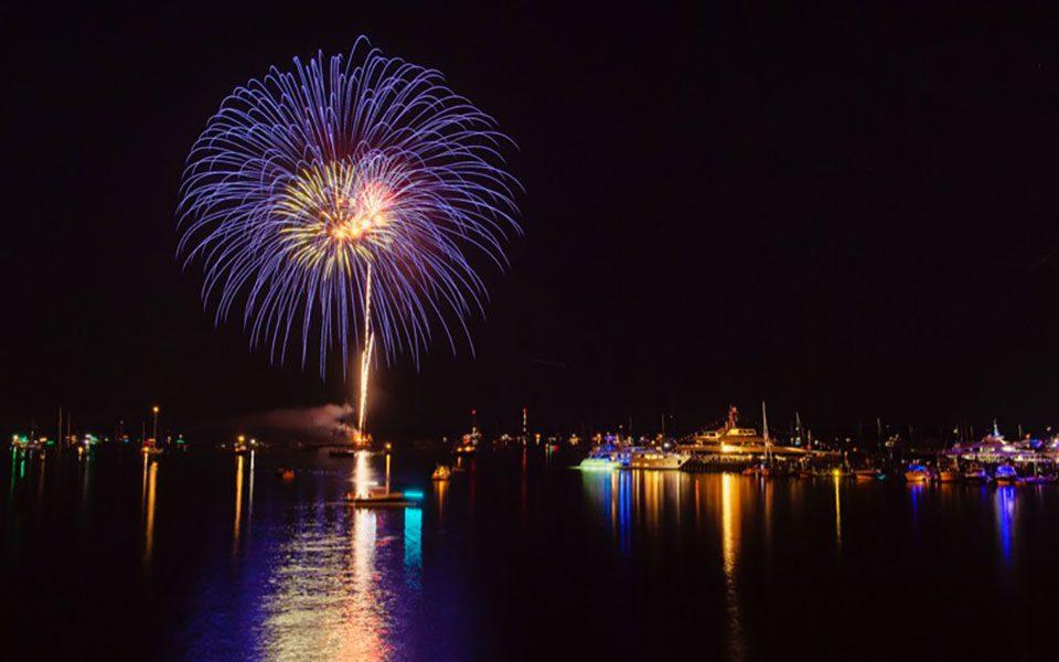 Hamptons fireworks 1