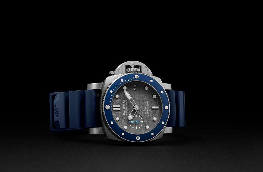 Panerai submersible watch main